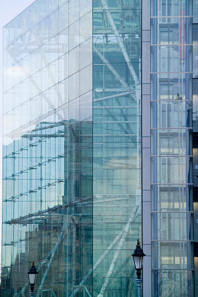 Architecture「K2, St Katherine's, London, glazed west elevation Richard Rogers Partnership」:写真・画像(17)[壁紙.com]