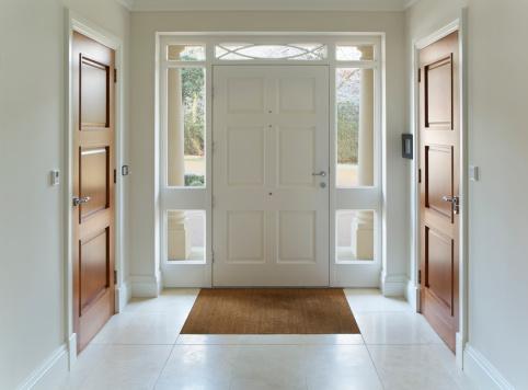 Symmetry「front door entrance to grand house」:スマホ壁紙(1)