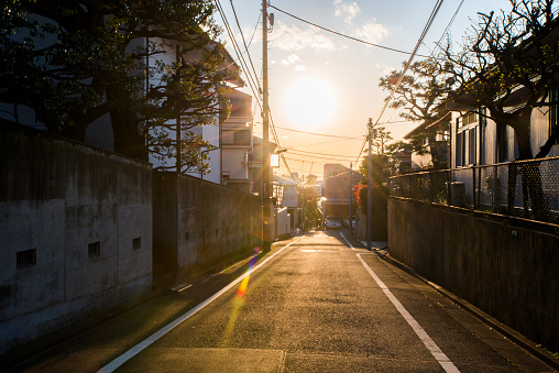 Alley「Stunning sunset of residential area in Japan.」:スマホ壁紙(0)