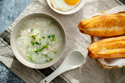 Dim Sum「Youtiao and  porridge」:スマホ壁紙(16)