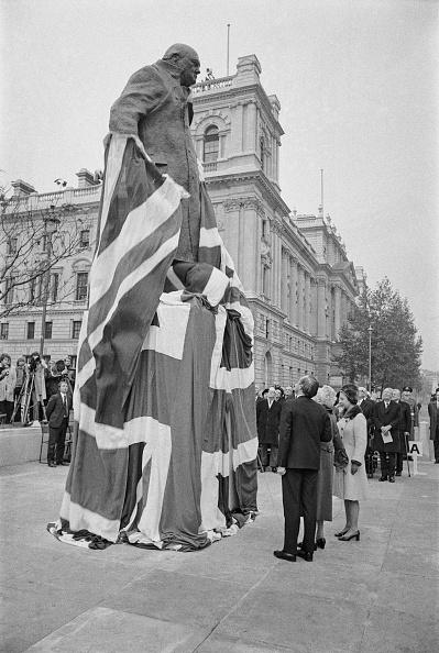 Wrapped「Unveiling Churchill Statue」:写真・画像(14)[壁紙.com]