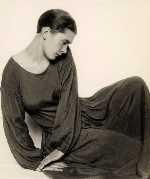 T 「Dancer Ruth Maria Saliger, Photograph, Around 1929」:写真・画像(7)[壁紙.com]