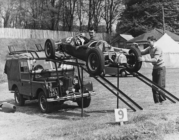 Racecar「Lewis-Evans Loads Cooper」:写真・画像(7)[壁紙.com]