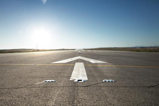 Road Marking「Airfield at sunset」:スマホ壁紙(16)