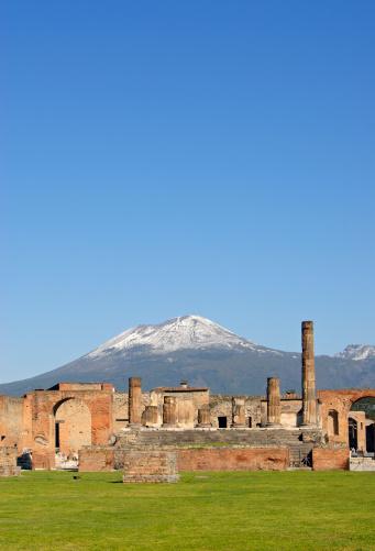 Active Volcano「Temple of Jupiter and Vesuvius, Pompeii (Italy)」:スマホ壁紙(17)