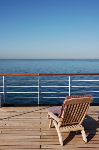 Deck Chair「Sun Lounger on a Cruise Ship」:スマホ壁紙(8)