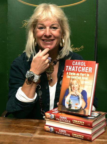 Tom Dulat「Carol Thatcher - Book Signing」:写真・画像(13)[壁紙.com]