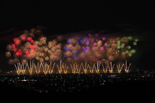 Beautiful Japanese Fireworks from Nagaoka:スマホ壁紙(壁紙.com)