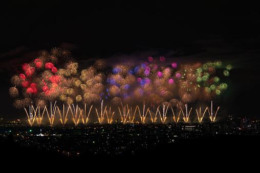 花火「Beautiful Japanese Fireworks from Nagaoka」:スマホ壁紙(13)