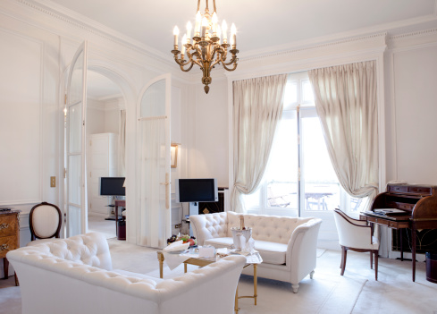 Chandelier「Luxury Living Room in Paris」:スマホ壁紙(14)