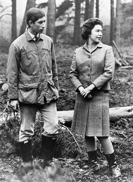 Sandringham「Princes Charles And Queen Elizabeth II」:写真・画像(9)[壁紙.com]