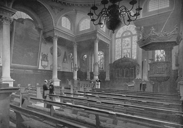 Bench「Church of St Stephen, Walbrook, City of London, c1890 (1911)」:写真・画像(18)[壁紙.com]