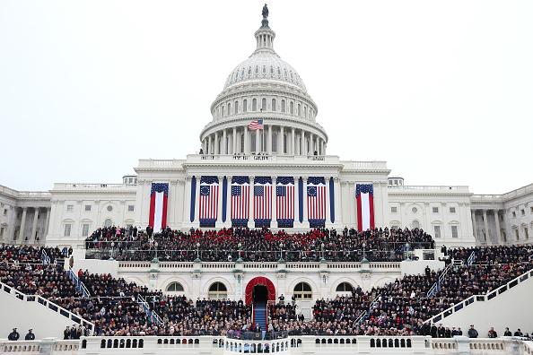 Presidential Inauguration「Barack Obama Sworn In As U.S. President For A Second Term」:写真・画像(9)[壁紙.com]