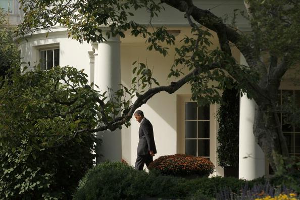 Alex Wong「President Obama Departs White House To Visit Walter Reed Military Hospital」:写真・画像(12)[壁紙.com]