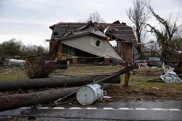 Tennessee「Nineteen Dead As Tornadoes Roar Across Tennessee, Including Nashville」:写真・画像(19)[壁紙.com]