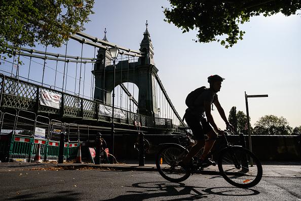 Riding「London's Bridges Are Falling Down」:写真・画像(13)[壁紙.com]