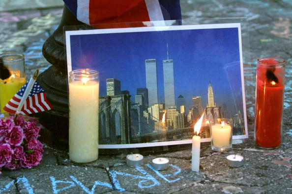 Recovery「Candlelight Vigil in Union Square Park」:写真・画像(12)[壁紙.com]