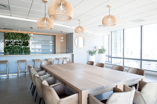 Brightly Lit「Interior of modern conference room」:スマホ壁紙(19)