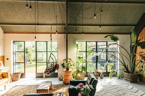 質感「Interior of a Scandinavian, loft style, eclectic, boho living-room.」:スマホ壁紙(0)