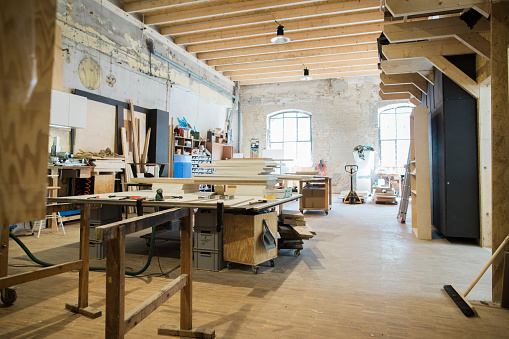 Carpentry「Interior of a carpenter's workshop」:スマホ壁紙(2)