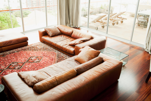 Deck Chair「Interior of living room with lots of windows」:スマホ壁紙(15)