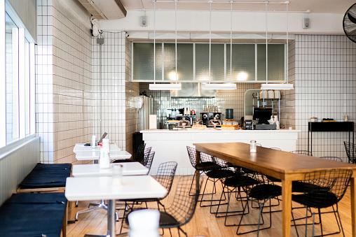 Bar Counter「Interior of an empty coffee shop」:スマホ壁紙(12)