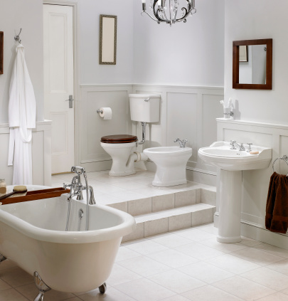 Household Fixture「Interior of traditional white bathroom」:スマホ壁紙(17)