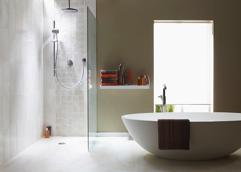 Household Fixture「Interior of bathroom in cool green with a running shower」:スマホ壁紙(4)