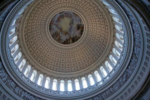 Politics「Interior of dome, Capitol Building, Washington DC, USA」:スマホ壁紙(9)