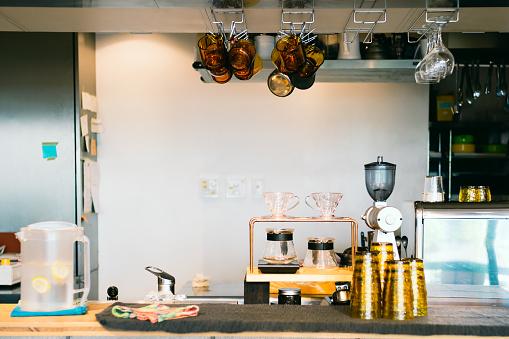 Store「Interior of Empty Coffee Shop Counter」:スマホ壁紙(5)