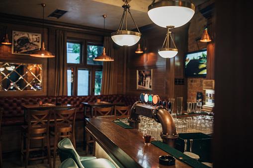 Bar Counter「Interior of a pub」:スマホ壁紙(15)