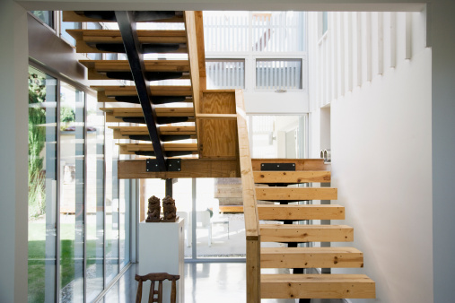 City Of Los Angeles「Interior of modern house, wooden stairway」:スマホ壁紙(16)