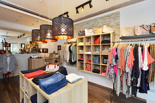 Retail「Interior of a store selling women's clothes and accessories」:スマホ壁紙(9)