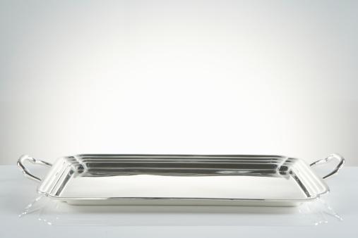 Metallic「Silver platter」:スマホ壁紙(1)