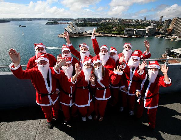 Power Equipment「Santas Climb The Sydney Harbour Bridge To Launch The Santa Fun Run」:写真・画像(7)[壁紙.com]
