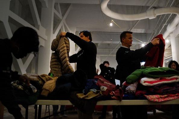 BNP Paribas「New York Charity Struggles To Collect Winter Coats For Needy」:写真・画像(9)[壁紙.com]