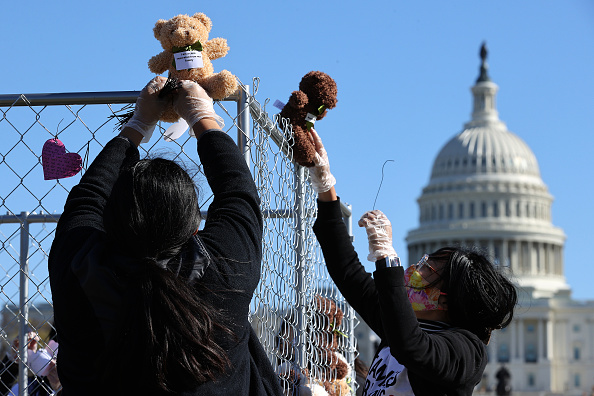 Strategy「Activists Use Teddy Bears In Cages To Call On Congress To Address Children Separated From Families At The Border」:写真・画像(17)[壁紙.com]