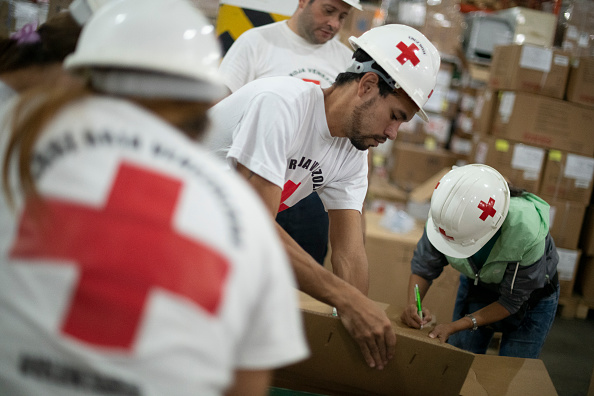Charity and Relief Work「Red Cross Distributes Second Shipment of Aid in Venezuela」:写真・画像(14)[壁紙.com]