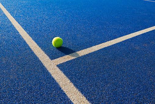 Part of a Series「Tennis  ball and service line」:スマホ壁紙(7)