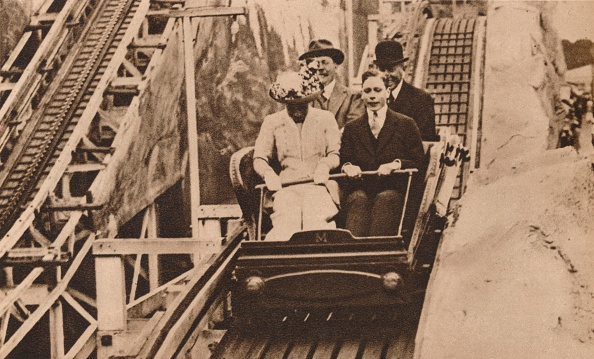 Rollercoaster「Prince George and Princess Mary at the opening of Earls Court Exhibition, London, 1913 (1935).  Artist: Unknown.」:写真・画像(18)[壁紙.com]