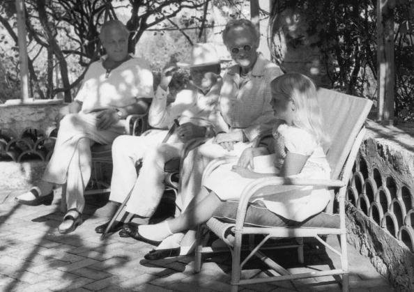 Bench「Churchills' Golden Wedding」:写真・画像(19)[壁紙.com]