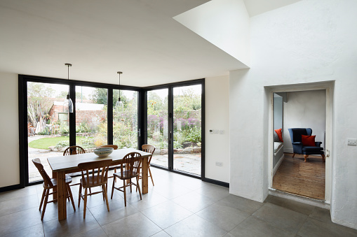 Model Home「New kitchen and diner extension interior. Built onto the side of a listed historic building.」:スマホ壁紙(16)