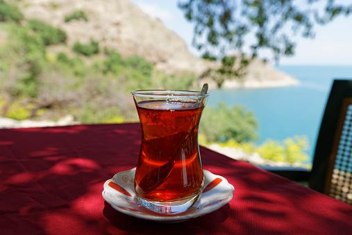 Akdamar Island「Turkey, Anatolia, Akdamar Island, Cay, Glass of Turkish tea」:スマホ壁紙(0)
