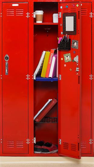 Locker「Open School Locker」:スマホ壁紙(18)