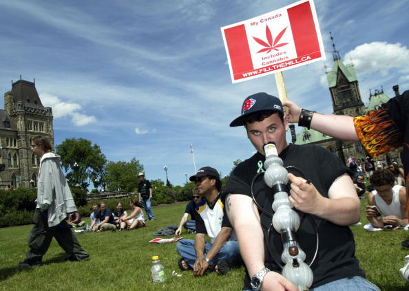Ottawa「Marijuana March For Freedom Is Held on Parliament Hill」:写真・画像(7)[壁紙.com]