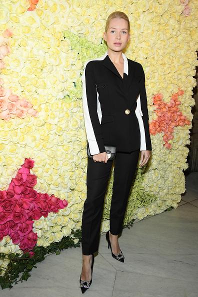 Spring Collection「Schiaparelli : Front Row - Paris Fashion Week - Haute Couture Spring Summer 2019」:写真・画像(17)[壁紙.com]