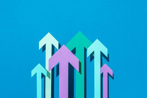 Growth「Paper arrows pointing upwards」:スマホ壁紙(14)