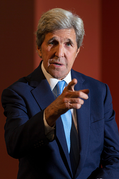 John Kerry「US Secretary Of State John Kerry Attends Global Table Food Innovation Conference」:写真・画像(14)[壁紙.com]