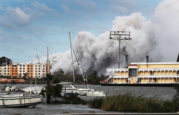 Chemical「Hurricane Laura Makes Landfall On US Gulf Coast」:写真・画像(1)[壁紙.com]