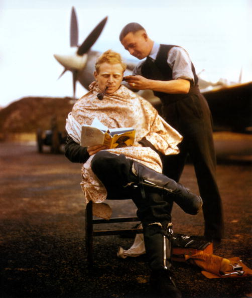 Two People「RAF Barber」:写真・画像(5)[壁紙.com]